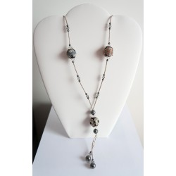 Collier sautoir argenté et rose réalisé avec des perles en délicas