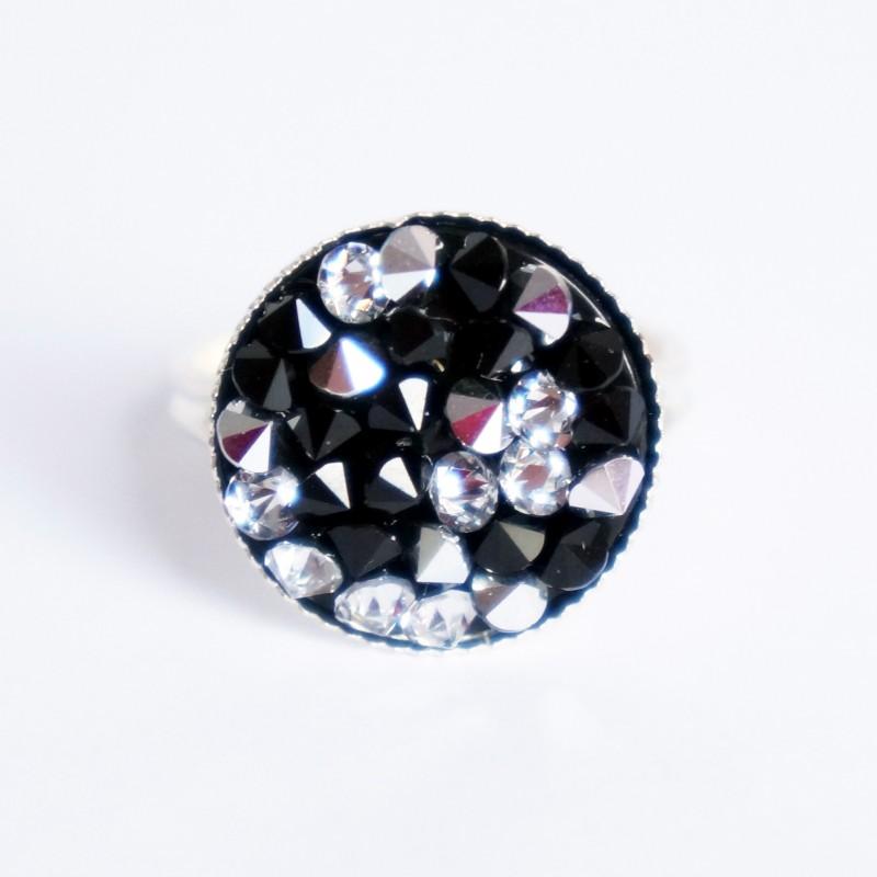 """Bague """"noir et blanc"""" avec toupies en cristal de Swarovski"""