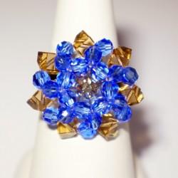 Bague ajustable, ronde et en perles de cristal bleues et beiges