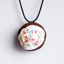 Pendentif gourmand cupcake avec paillettes multicolores