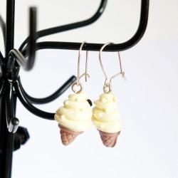 Boucles d'oreilles gourmandes cornets de glace à la vanille