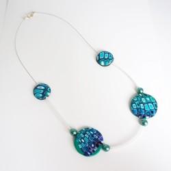 Collier mi-long vert et turquoise - perles plates réalisées à la main