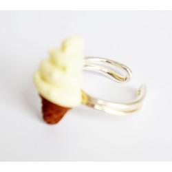 Bague pour enfant cornet de glace vanille