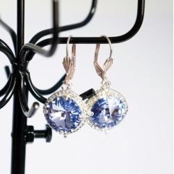 Boucles d'oreilles fantaisie bleues / violettes et argentées en cristal de Swarovski et délicas
