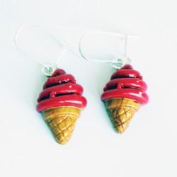 Boucles d'oreilles gourmandes cornets de glace à la fraise