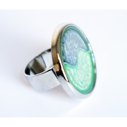 Grande bague ajustable bleue et verte en peinture et résine
