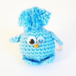 Piou-piou petit oiseau bleu en laine