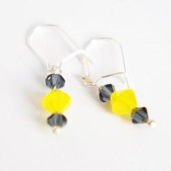 Petites boucles d'oreilles jaunes et grises en cristal de Swarovski