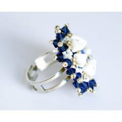 Bague baroque bleue et blanche entièrement réalisée à la main