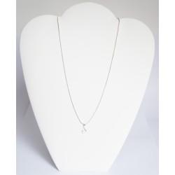 Très petit pendentif discret, oval et transparent avec sa chaîne en argent