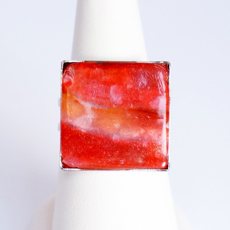 Bague carrée rouge et orange réalisée à la main