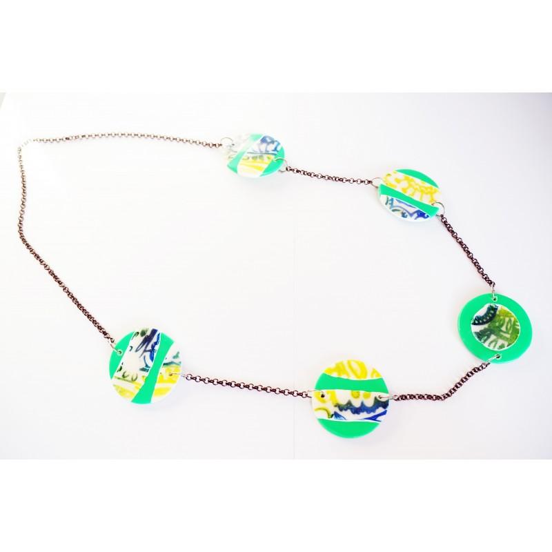 Collier long ou sautoir blanc, vert et jaune fait-main