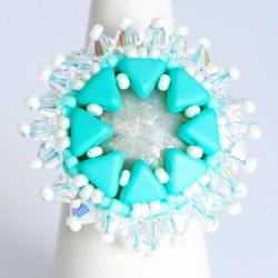 Bague turquoise et blanche entièrement créée à la main