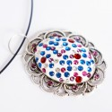 Pendentif, de style ancien, oval avec des strass multicolores