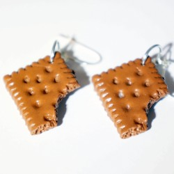 "\""Petits beurres\\"" cookie earrings"