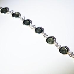 Bracelet à écailles grises