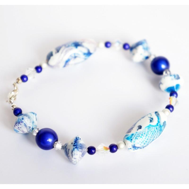 Bracelet bleu et blanc entièrement réalisé à la main