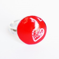 Small red ring with little white heart