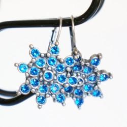 Boucles d'oreilles étoiles ou fleurs bleues