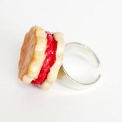 Children's strawberry cake ring