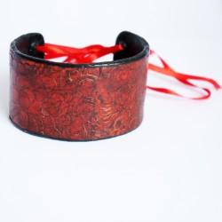 Bracelet rouge fait-main