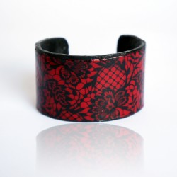 Red and black lace imitation bracelet