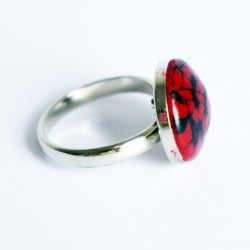 Small red and black lace ring