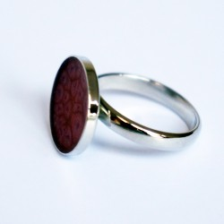 Little, round and pink ring with scale effect