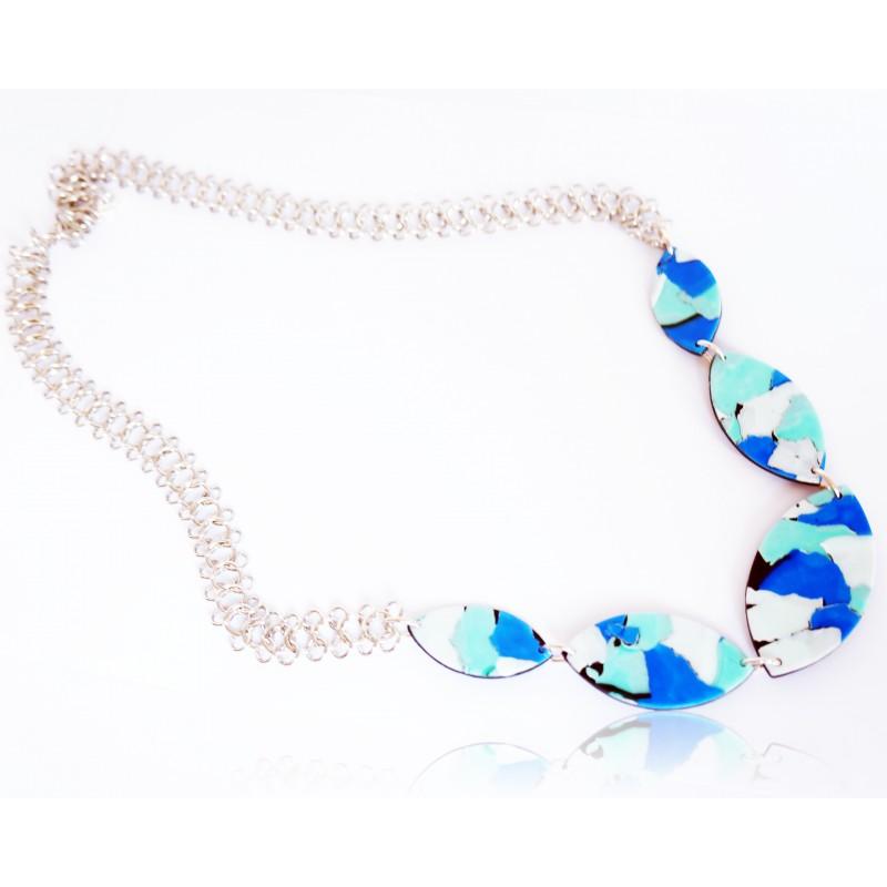 Long collier bleu, turquoise et blanc