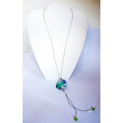 Sautoir ou collier long blanc, bleu et turquoise