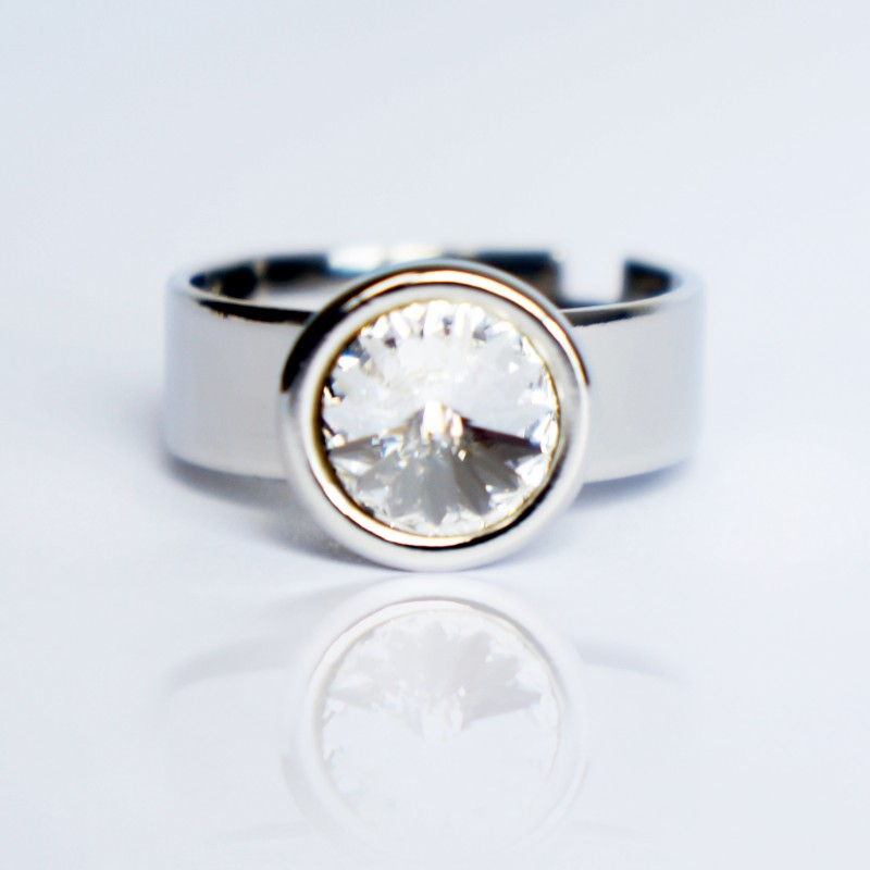 Imitation diamond solitaire ring made from crystal