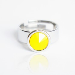 Bague solitaire jaune en cristal