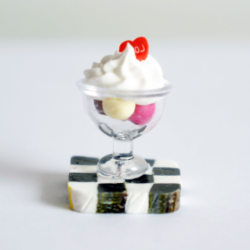 Magnet ou miniature petite coupe de glace