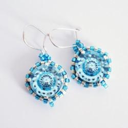 Boucles d'oreilles fantaisies bleues et argentées
