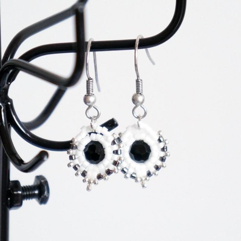 """Boucles d'oreille rondes """"noir et blanc"""""""